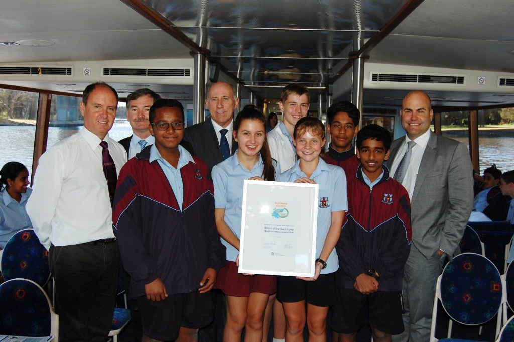 Teacher Darren Hamley, principal Chris Booth, Minister Ken Baston, River Trust chairman Hamish Beck and students.