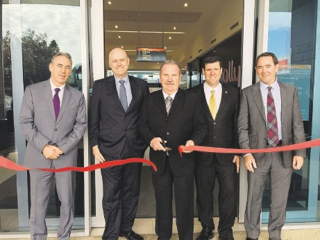 WA regional property manager Federation Centres Richard Terhorst, Colonial First State area centre manager Graham Hahn, City of Rockingham Mayor Barry Sammels, Phil Edman MLC, chief executive Rockingham Kwinana Chamber of Commerce Tony Solin