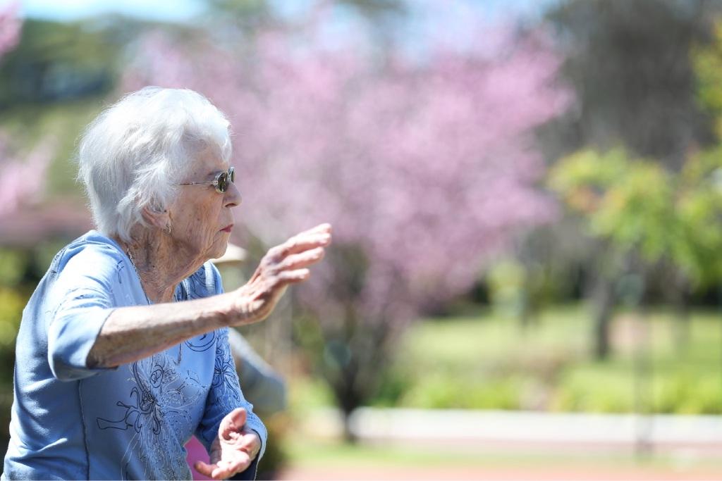 Phyllis Barras shows off her Tai Chi technique. Picture: Andrew Ritchie www.communitypix.com.au   d443457