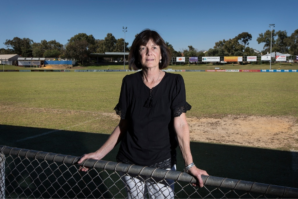 Gail Blackman will walk a lap of Fremantle Oval in honour of her husband. Picture: Will Russell        www.communitypix.com.au   d444091