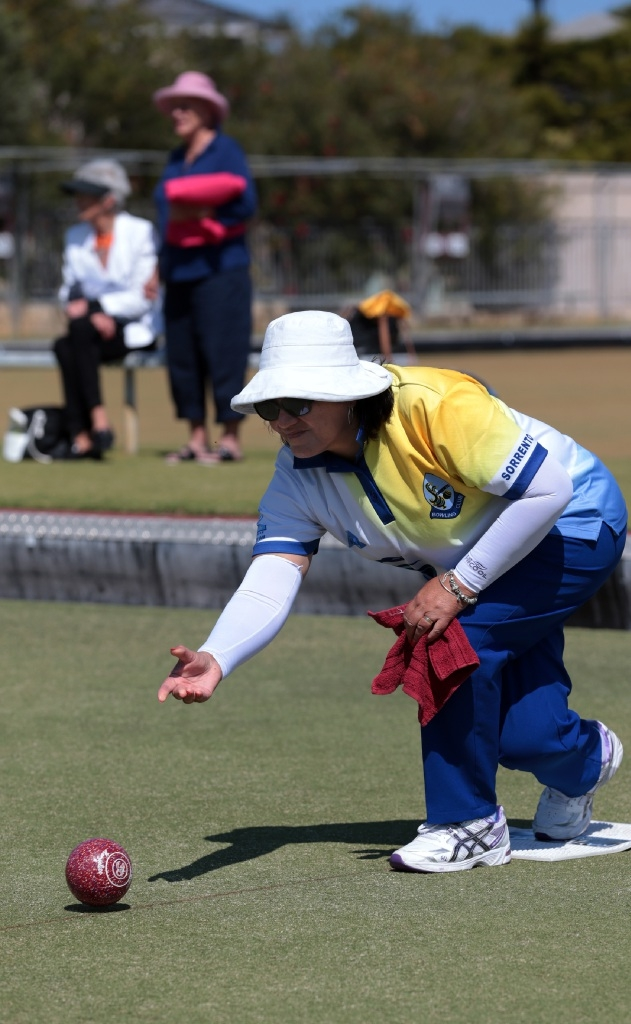 Queens of the green battle it out at the Joondalup Bowls Club