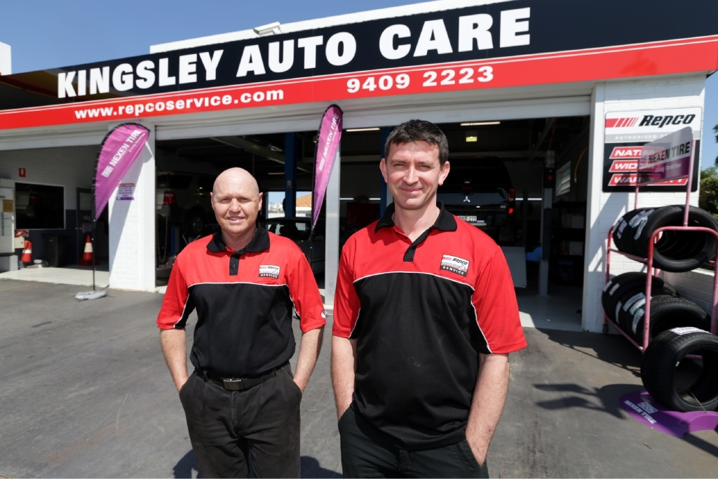 Steve Fiorini and Chris Evans at Kingsley Auto Care. |Picture: Martin Kennealey www.communitypix.com.au d443970