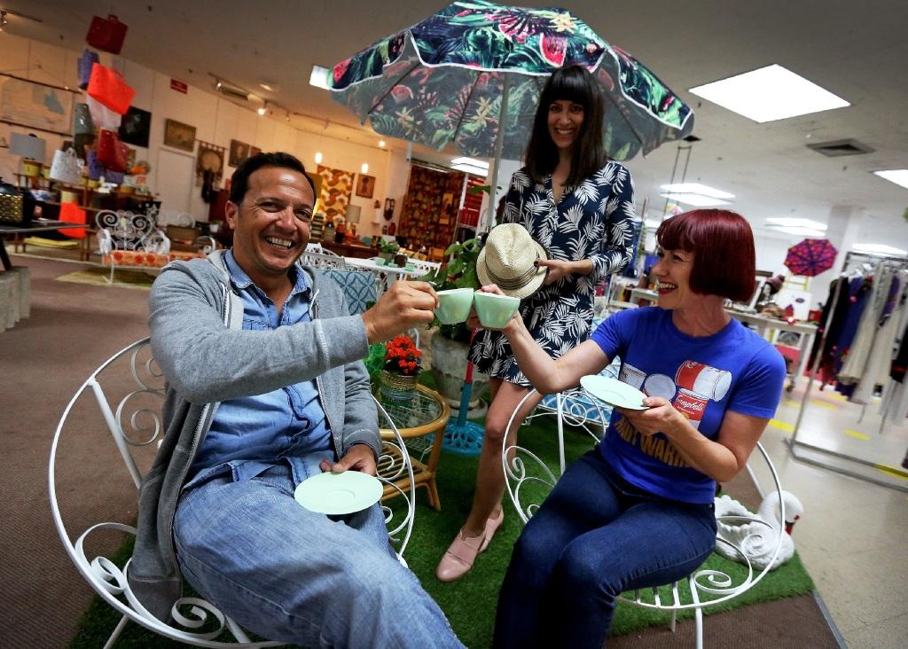 Nuno Vacas, Kate Hulett and Dawn Clarke toast MANY 6160's second anniversary.  Picture: Matt Jelonek www.communitypix.com.au   d444399