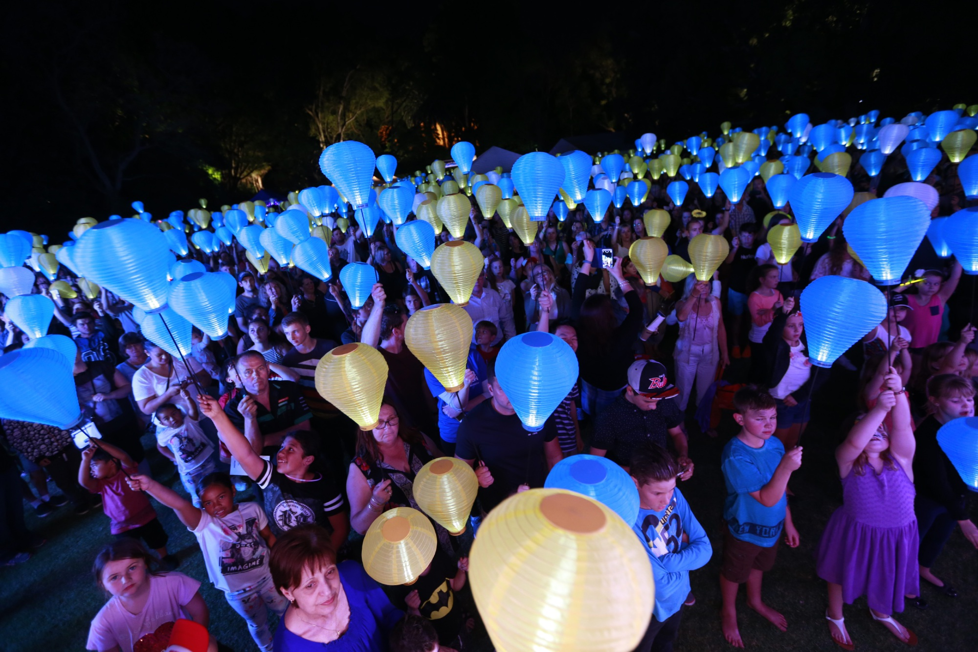 More than 1000 people gathered at UWA for the Light the Night event on Friday. Picture: Piotr Dancewicz.