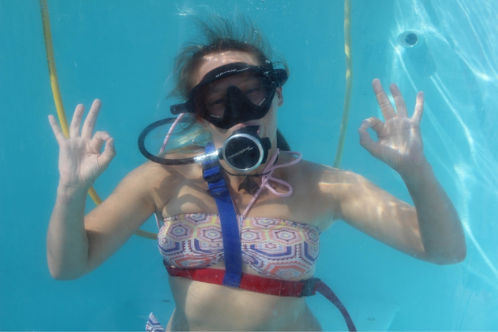 Shannon Carson demonstrates the fun of diving without tanks.