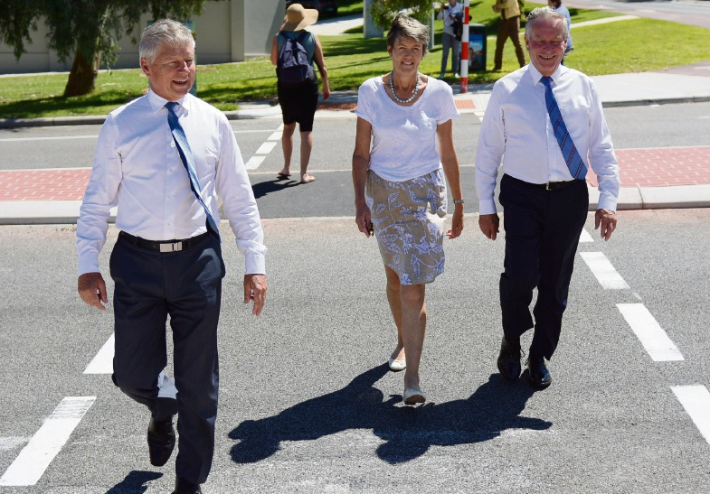 Cottesloe: new pedestrian corssing at Curtin Ave improves safety