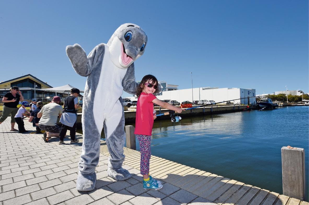 Dudley Dolphin steals the show at Mandurah fishing clinics