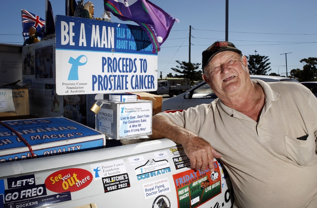 Doc Henning's colourful ute is a  familiar sight around town as he goes about his |fundraising work.  Picture: Elle Borgward        www.communitypix.com.au   d417149
