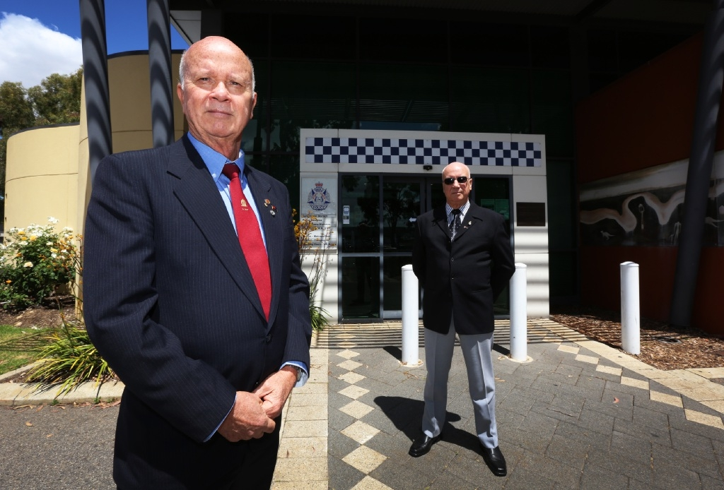 Chris Smith and his brother Rick have started a petition calling for better workers' compensation for police officers.  Picture: Matt Jelonek www.communitypix.com.au   d445125