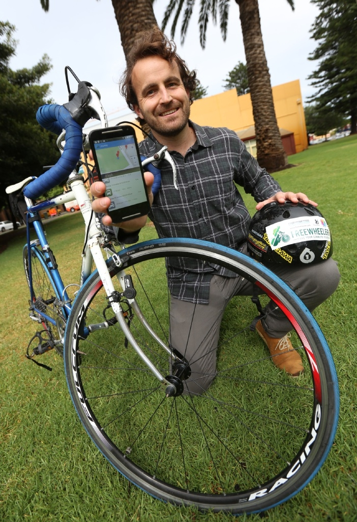 Alex Fletcher with his app Freewheeler.Picture: Matt Jelonek        www.communitypix.com.au d445019
