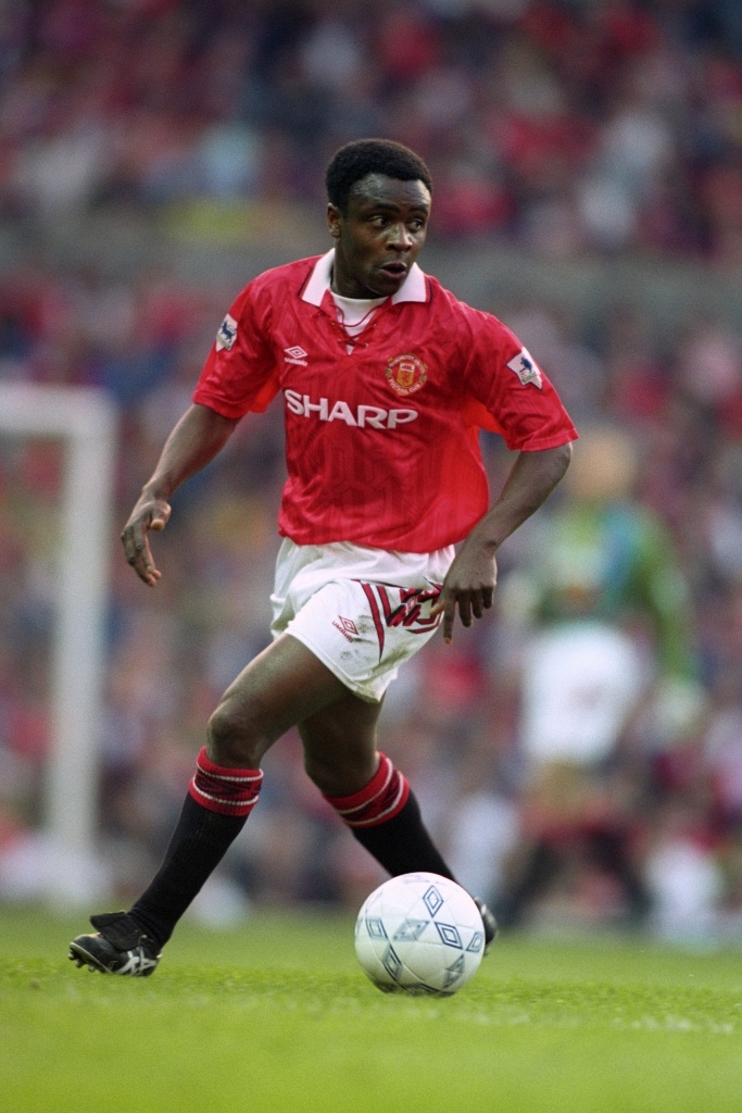 Paul Parker playing for Manchester United.