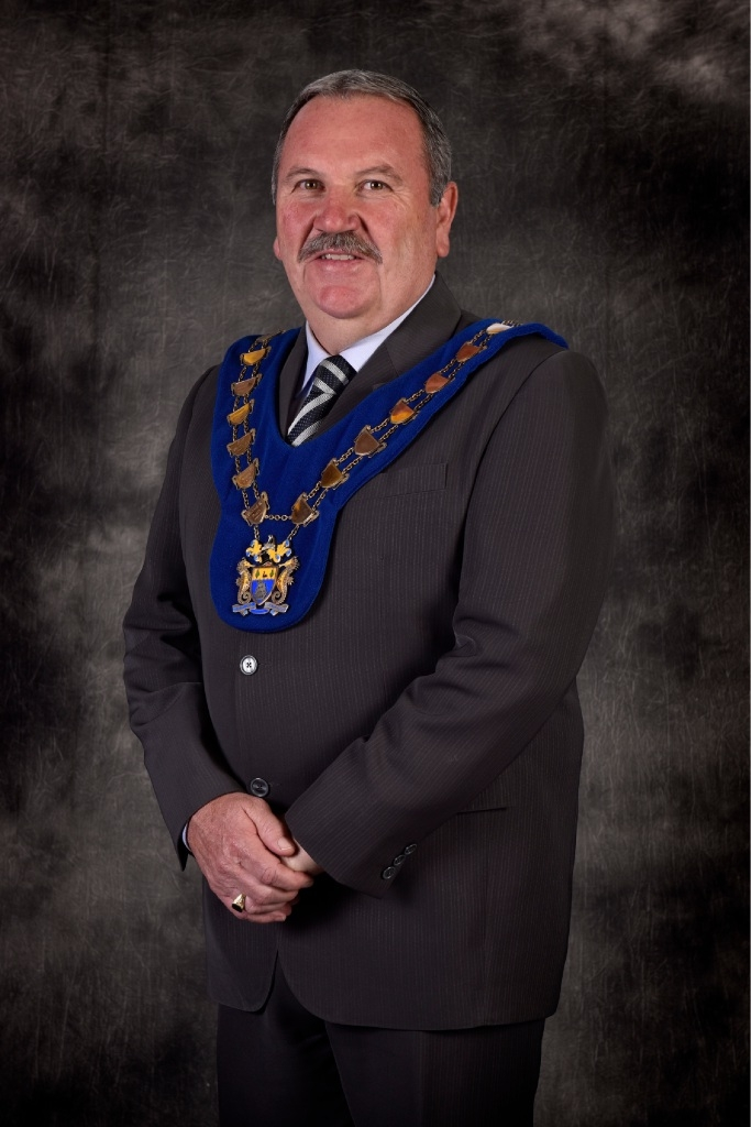 Perth's longest-serving mayor wins two more years.