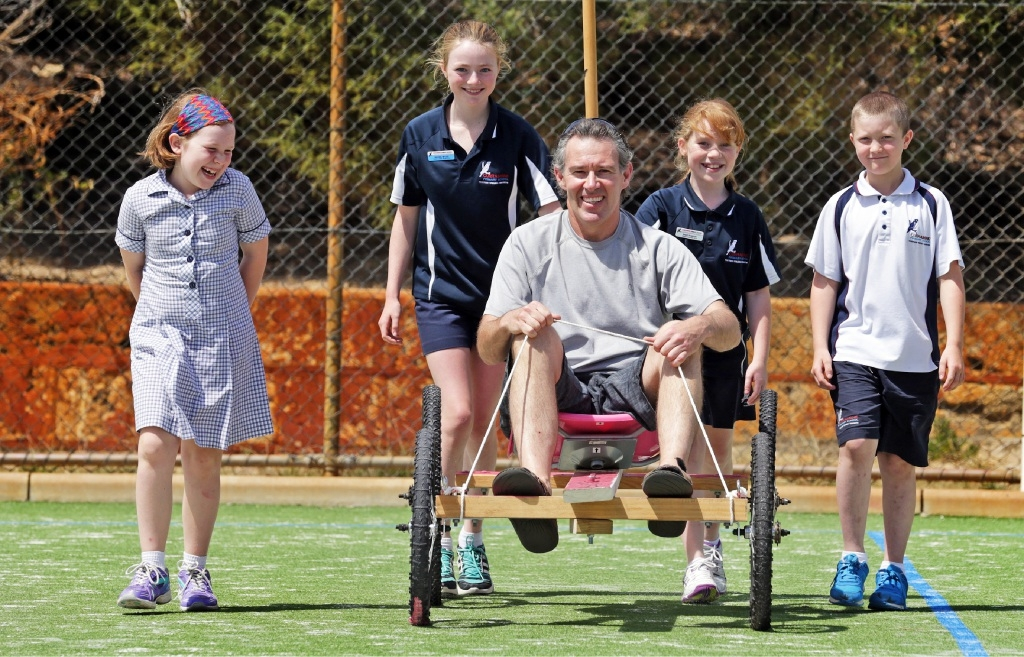 Parent Walter Ramage with students Ryah Ramage, Rachel Myles, Shae Ramage and Dalton Hodson.  Picture: Martin Kennealey         www.communitypix.com.au   d445462