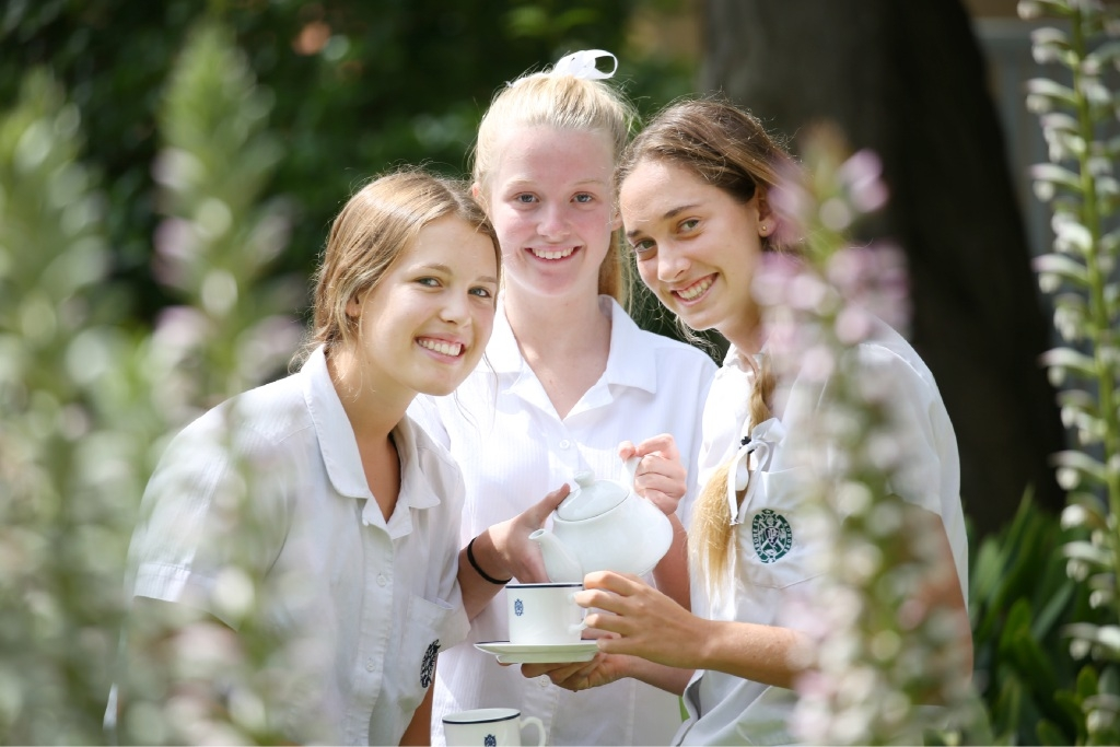 Year 10 students Emer Lewis, Ali Edgar and Eliza Millar.Picture: Andrew Ritchie www.communitypix.com.au   d445476