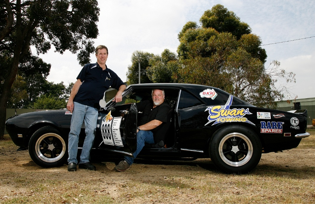 Dodgy Brothers Racing teammates Clinton Hodge (co-driver) and Tony Roskell.