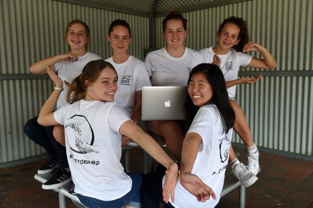 Back row: Piper Cummins, Natasja Reicheld, Rebecca Boucaut and Kalani Vassallo. Front row: Emily Nella and Anabel Lo show off their All for Nepal T-shirts. Picture: Jon Hewson        www.communitypix.com.au   d445498