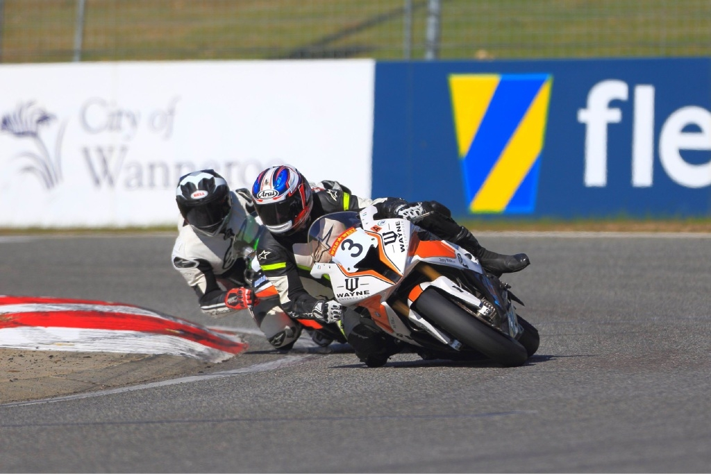 Anthony McFadden (bike 3) is coming second in the superbike championship. Picture: Graeme Howie