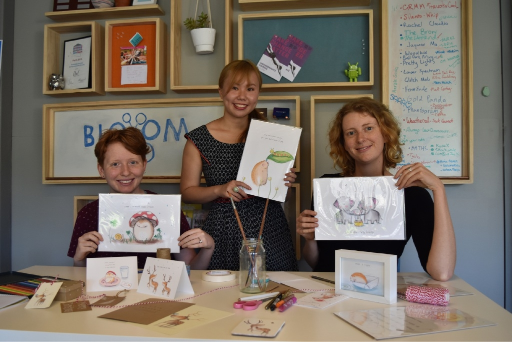 Befriend intern Sam Hay, artist Janet Pan and Befriend'sKathleen Burton get creative for a card workshop.