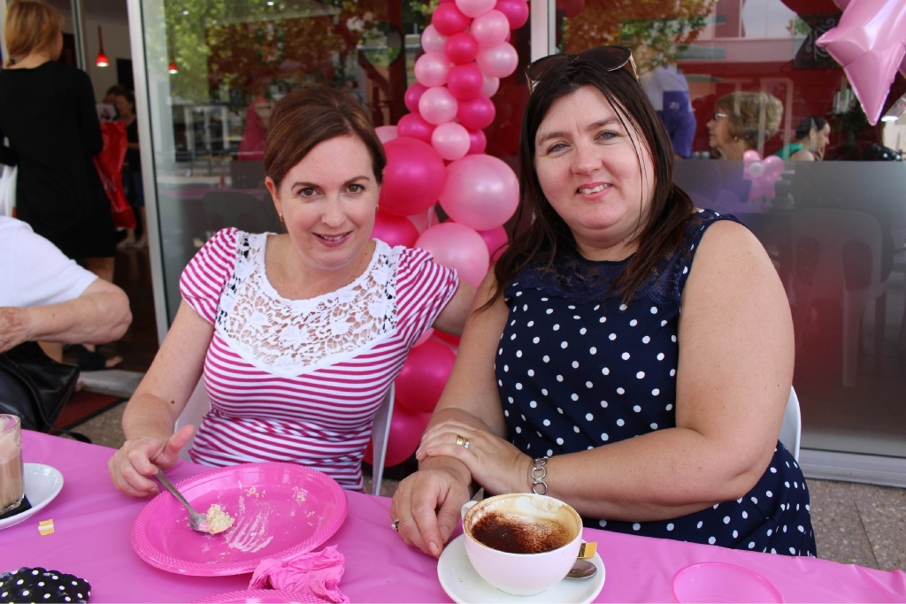 Ellenbrook street turns pink for Main event