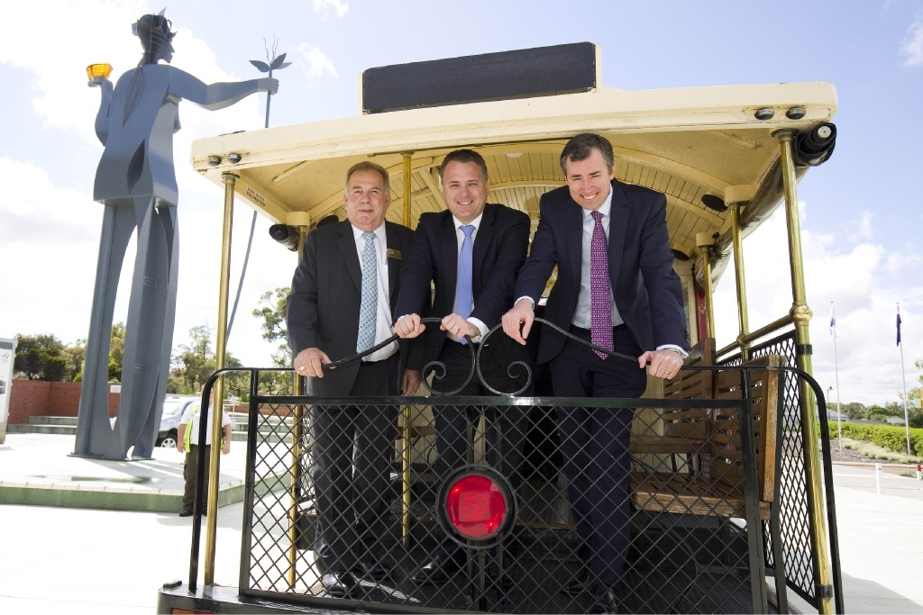 Stirling Mayor Giovanni Italiano, Cities and the Built Environment Minister Jamie Briggs and Stirling MHR Michael Keenan.