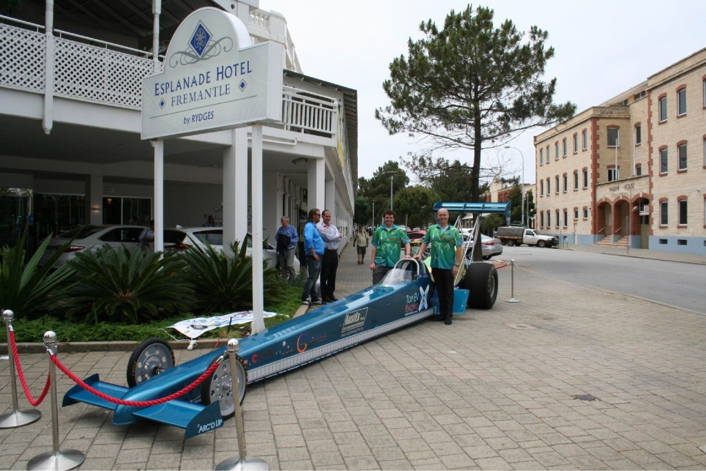 Dom Lindsay and Michael Fragomeni with the solar- powered drag car.