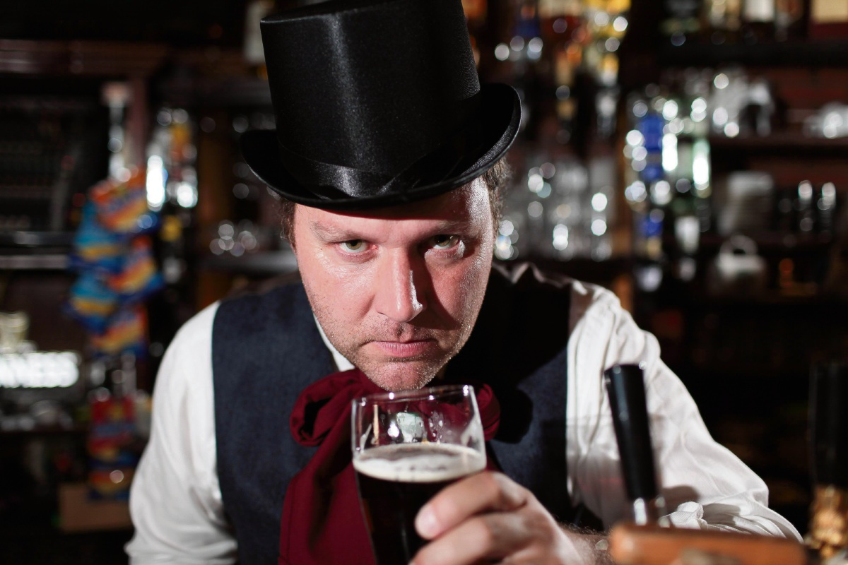 David Davies brings his one-man version of Jekyll and Hyde to Koorliny.