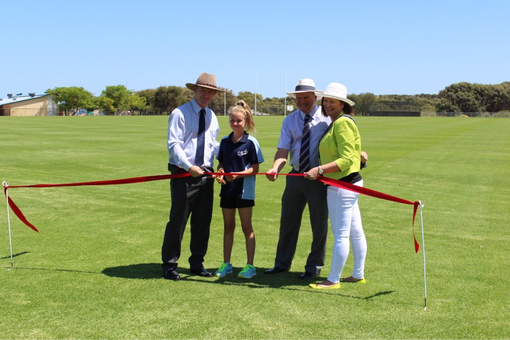 Dawesville MLA Kim Hames, head girl Sarah Smith, principal Ben Findlay and Mayor Marina Vergone at the opening.