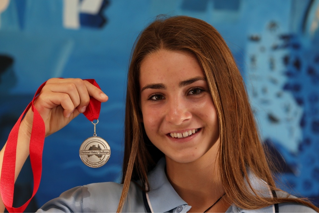 Rachel Simmonds with her history challenge medal.Picture: Martin Kennealey        www.communitypix.com.au d446359