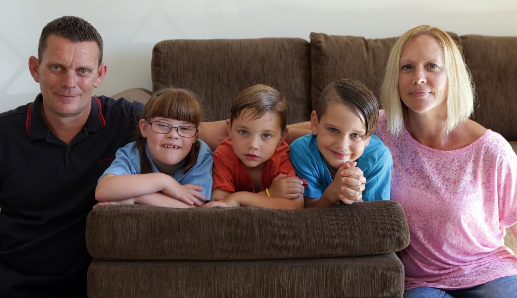 Mike and Ruth Pascoe with Faith (9), Josh (4) and Ethan (7). Picture: Martin Kennealey        www.communitypix.com.au   d446620