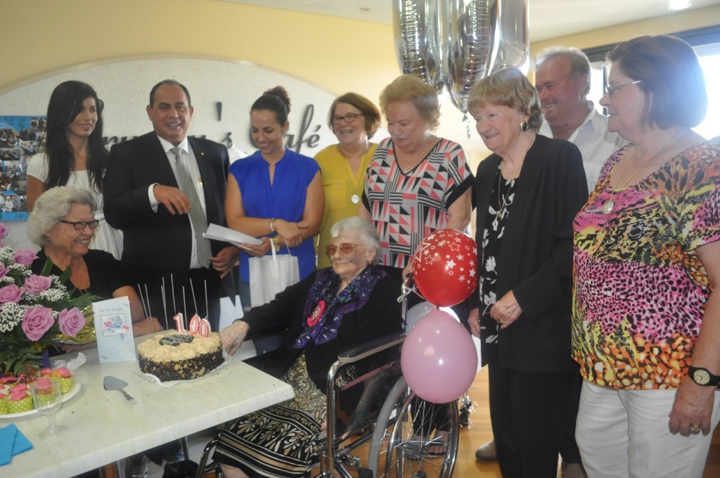 Elvina Fernandes (in the wheelchair) celebrated her birthday at Aegis Hilton Park surrounded by her family.