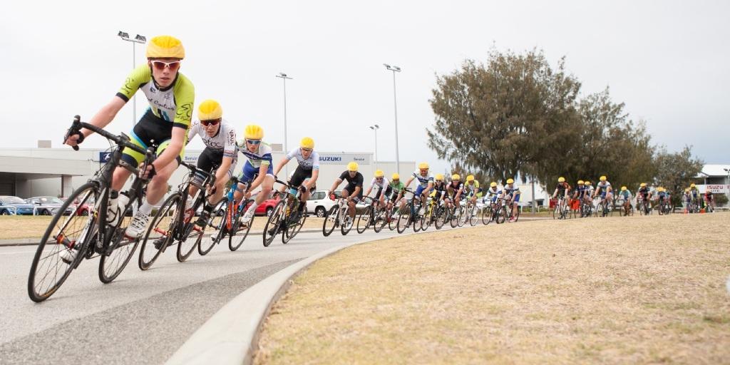 Final lap frantic, Peel Districts Cycling Club