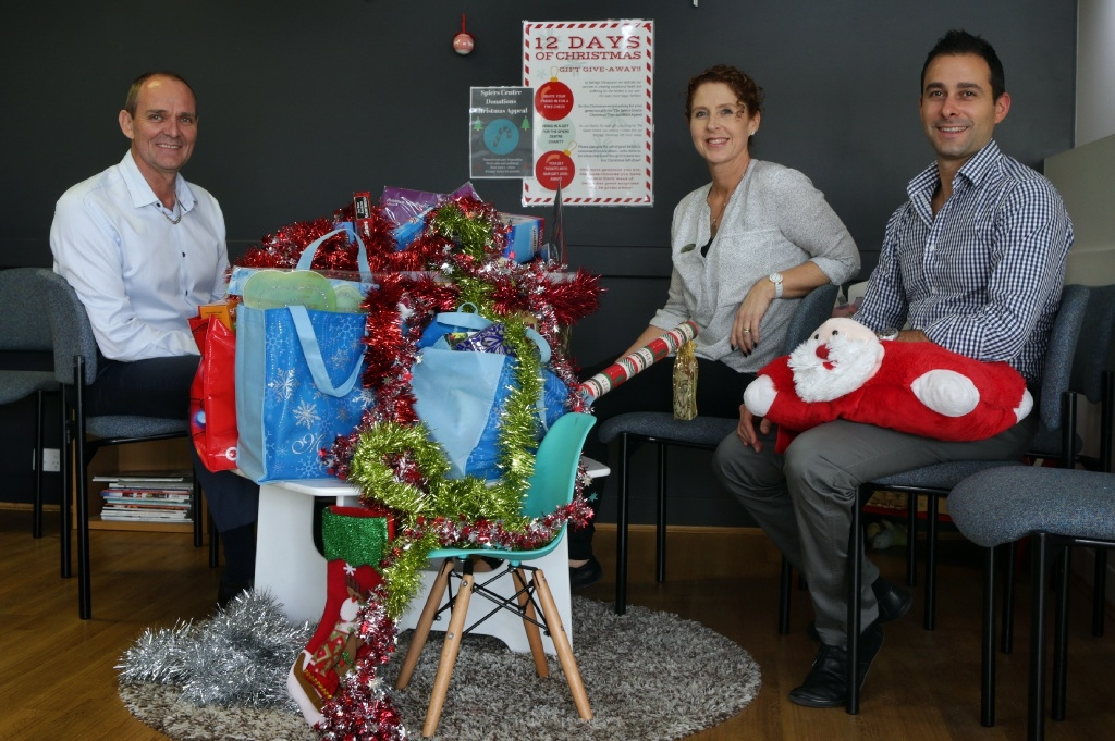 Dr Warren Genders,Tracey Hennessy and Dr Patrick Pugliese.       www.communitypix.com.au   d448000