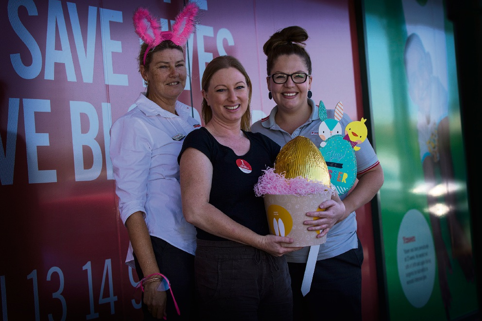 From left: Caroline Lane, first-time donor Natasha Lockyer and  Elyse Hilton.   Picture: Will Russell d467286