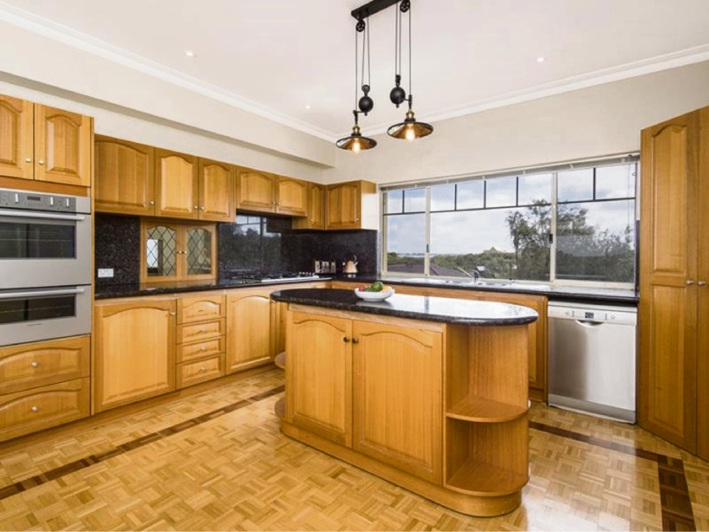 Warnbro, 13 La Seyne Crescent – $1.39 Million