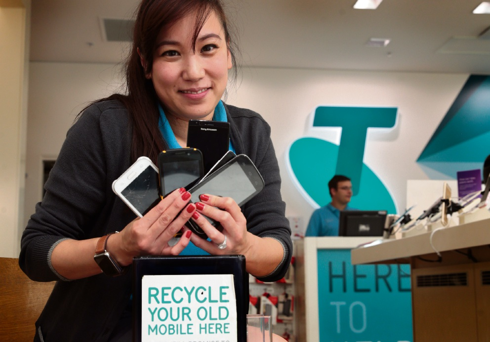 MobileMuster recycling old mobile phones to provide meals for OzHarvest