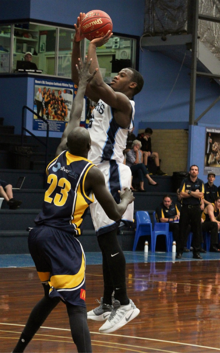 Jay Bowie in action for the Willetton Tigers.