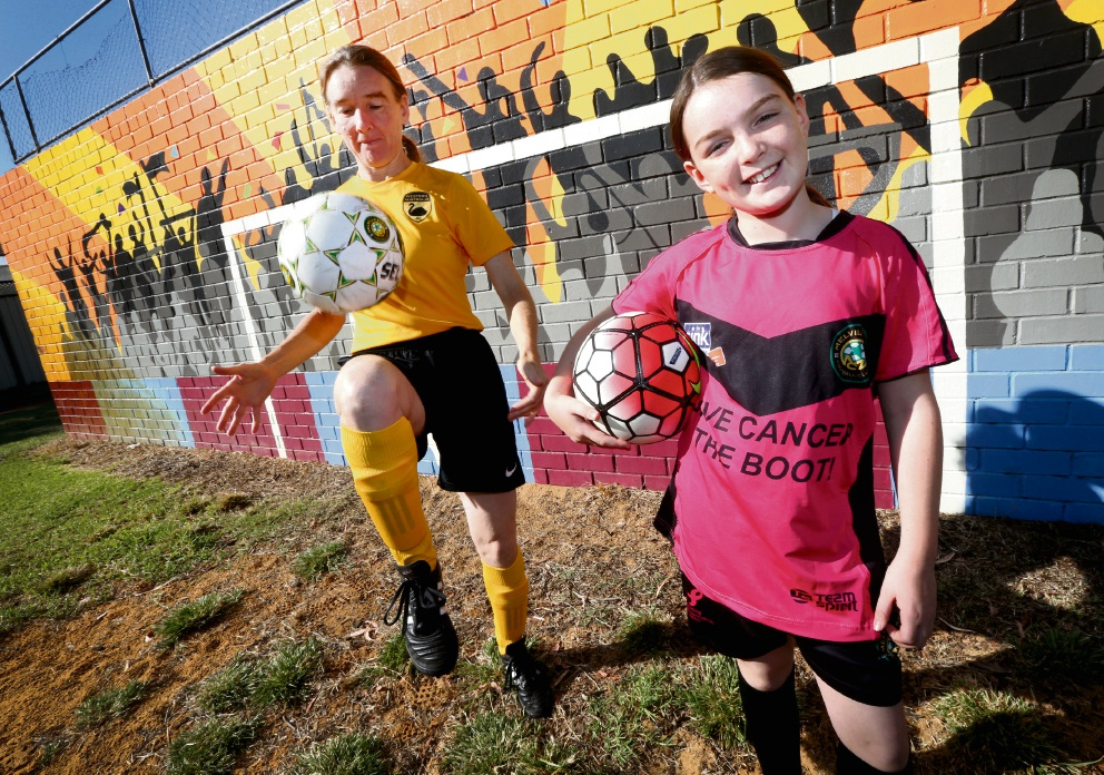 Mother and daughter soccer players Penny  Hoath and  Rose Maree. Picture: Matt Jelonek        www.communitypix.com.au   d467715