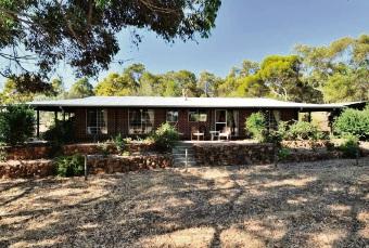 Wooroloo, 1740 Needham Road – $549,000