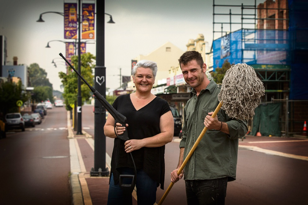 Bayswater Councillor Catherine Ehrhardt and business owner Leo Flavel are behind a clean-up initiative in Maylands.  Picture: Will Russell        www.communitypix.com.au   d467597
