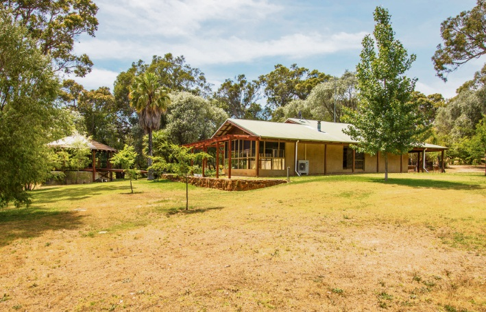 15 Abbeys Farm Road, Yallingup – $1.195 million