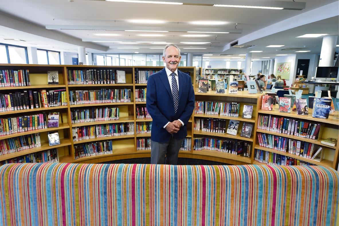 Retiring principal Ian Elder. Picture: Jon Hewson www.communitypix.com.au   d467545