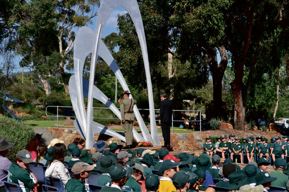 Greenmount PS students lay a wreath at the 2016 Anzac Day service at Blackboy Hill.