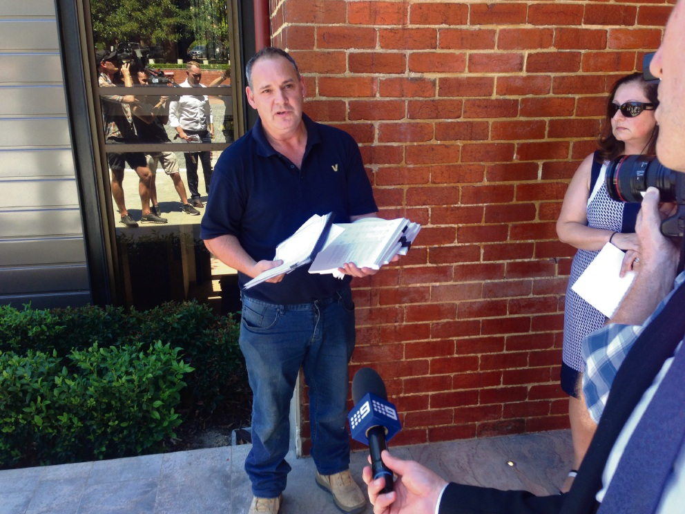 Wangara businessman delivers peition demanding better protection of sub-contractors to Colin Barnett