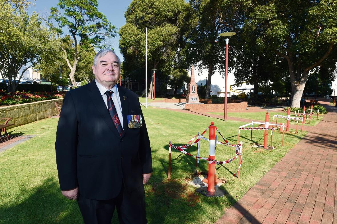 Linton Reynolds: War has taken a serious toll on the area. Picture: Jon Hewson www.communitypix.com.au   d468234