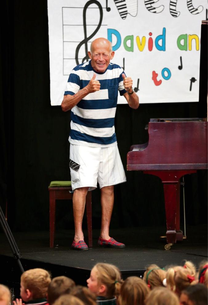 David Helfgott's Gooseberry Hill PS performance gets rapturous response