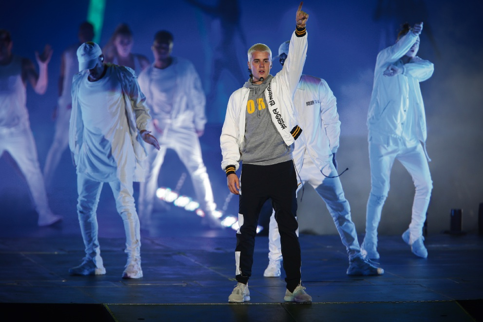 Justin Bieber review: bright lights and pyrotechnics can't atone for singer's apathetic Perth perfomance