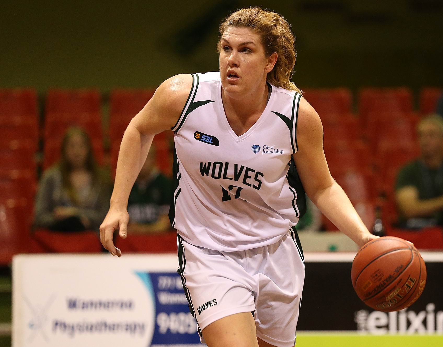 Ellyce Ironmonger dominated the rebound count. Picture: Michael Farnell, sportsimagery.com.au