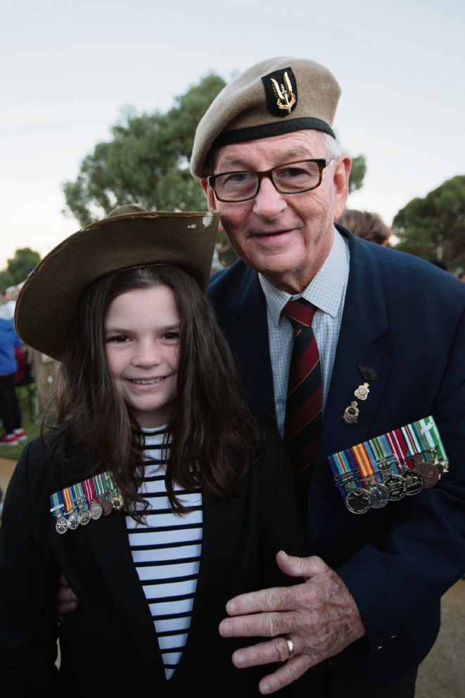 A poignant moment during North Beach RSL's Anzac Day dawn service. Pictures: Bruce Hunt     www.communitypix.com.au                 d467582