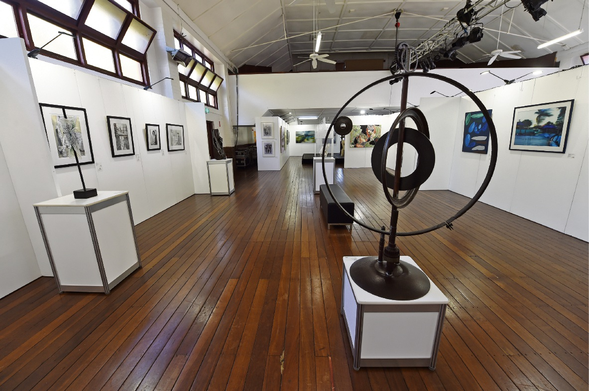 Minnawarra Art Award won by Ruth de Vos