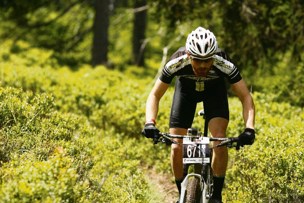 Declan von Dietze is attempting to ride the 1000km Munda Biddi Trail in less than a week.